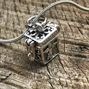 Jewelry - 925 Sterling Silver Prayer Box Necklace